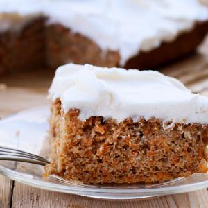 Carrot Cake with Vanilla Cream Cheese Frosting - mccormick®